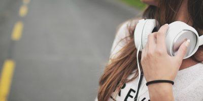 girl-869213_640